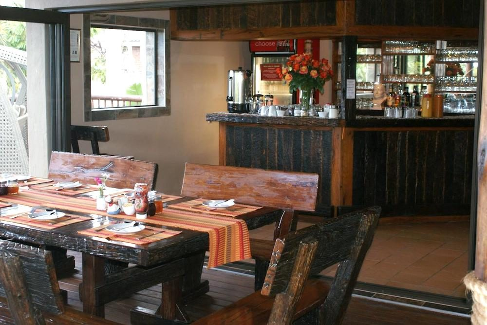Ndiza Lodge and Self-Catering Cabanas