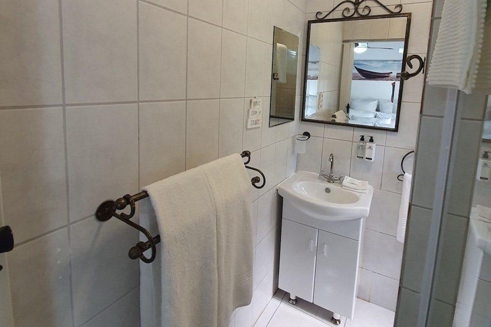 Ndiza Cabanas Bathroom